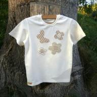 Biobavlněné tričko na louce